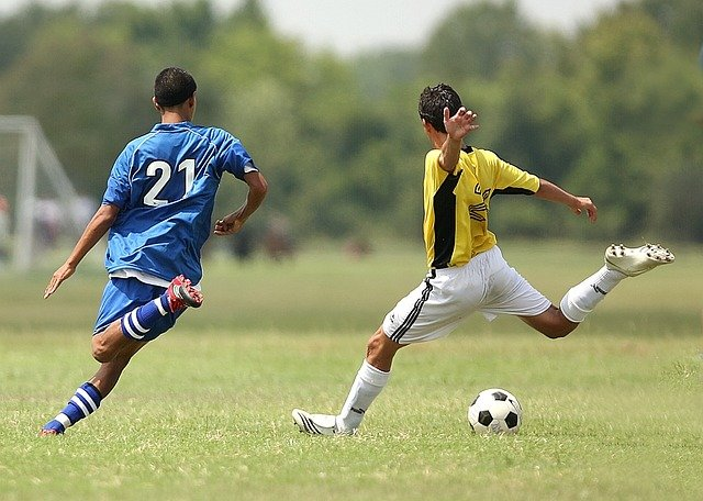 מאזן הנוזלים וצריכת הפחמימות בקרב שחקני כדורגל